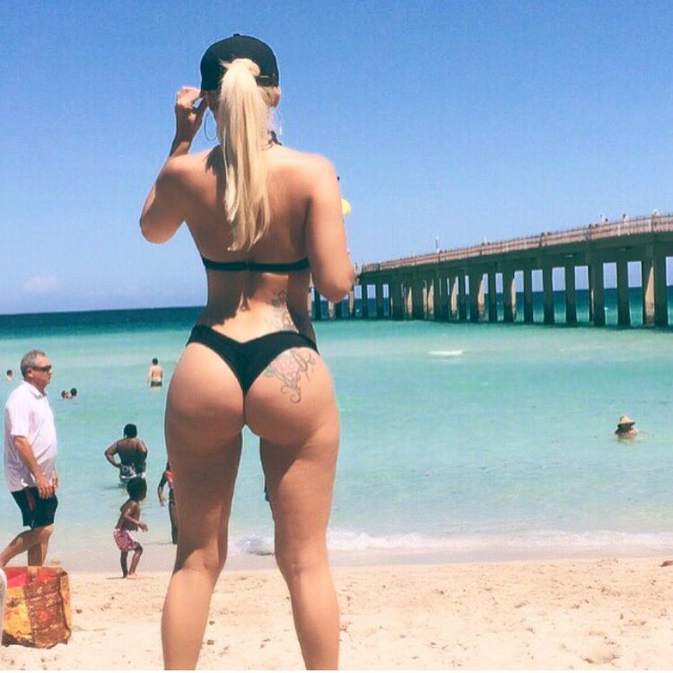 Italian Porn Big Ass Beach - Italian Glamor Porn