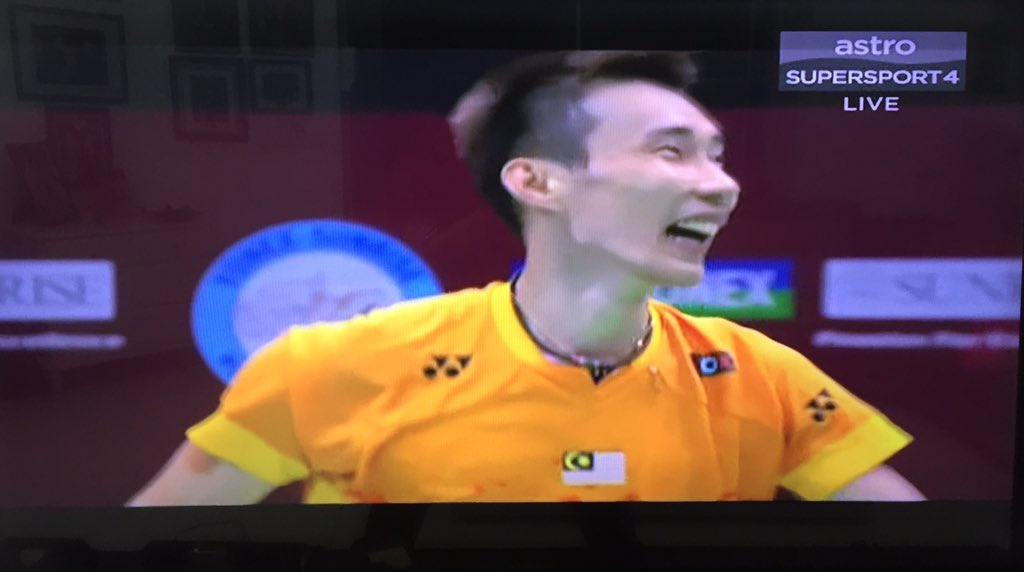 Nobody but himself could believe that he could beat world no. 1 Chen Long twice in a week. @LeeChongWei YOU DID IT! https://t.co/P7H1dOFQCh