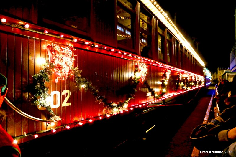 roaring camp on twitter one week until the start of the santa cruz holiday lights train tickets are selling out quickly get yours today