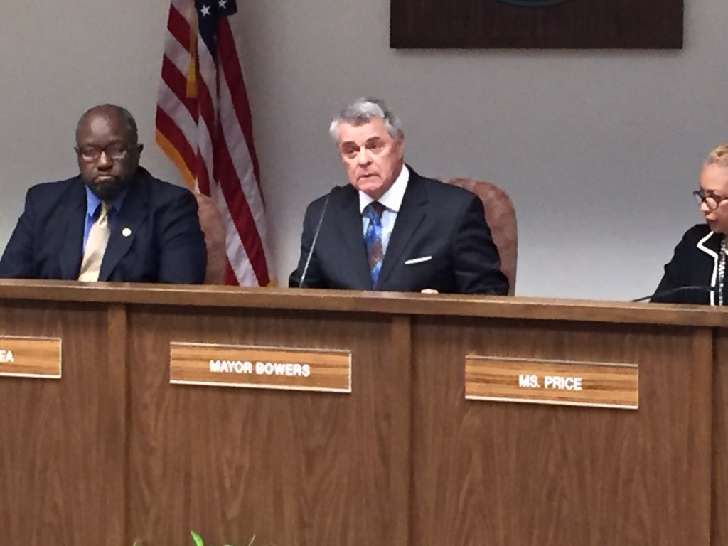 .@City_of_Roanoke mayor Bowers said he didn't expect his statement to go viral & he apologized to everybody offended https://t.co/pSlyuajNA5