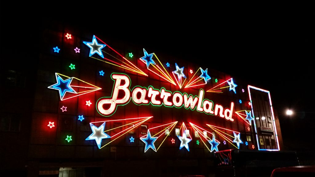 As always, @TheBarrowlands is looking good this evening. Nowhere quite like it on this earth! https://t.co/fmsVmBh5E8
