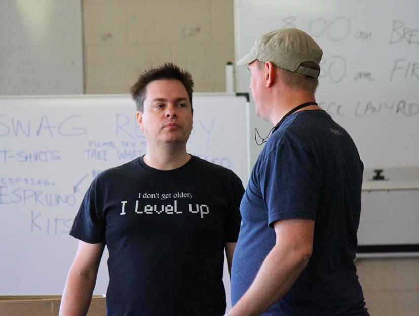 The tech T-Shirt showdown of #campJS, @spidie vs @DamonOehlman https://t.co/3yEz2qBkqJ