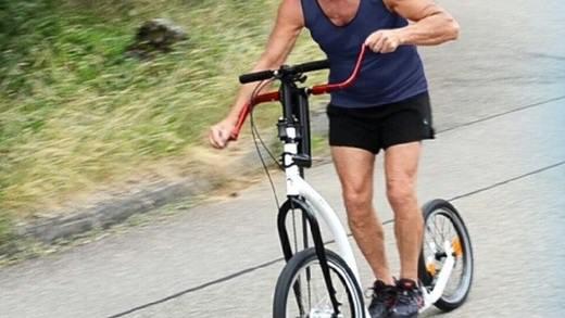 @brothers_gn まさかこれ?ちゃんまつ目指せ上半身ムキムキボディ!―手で漕ぐ自転車「Kick-Veribike」   @enuchijpより