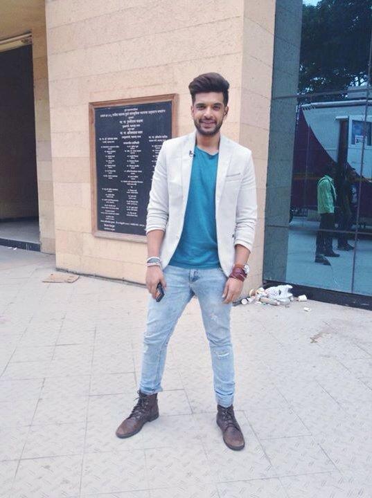 to wear - Stylish looking boy video