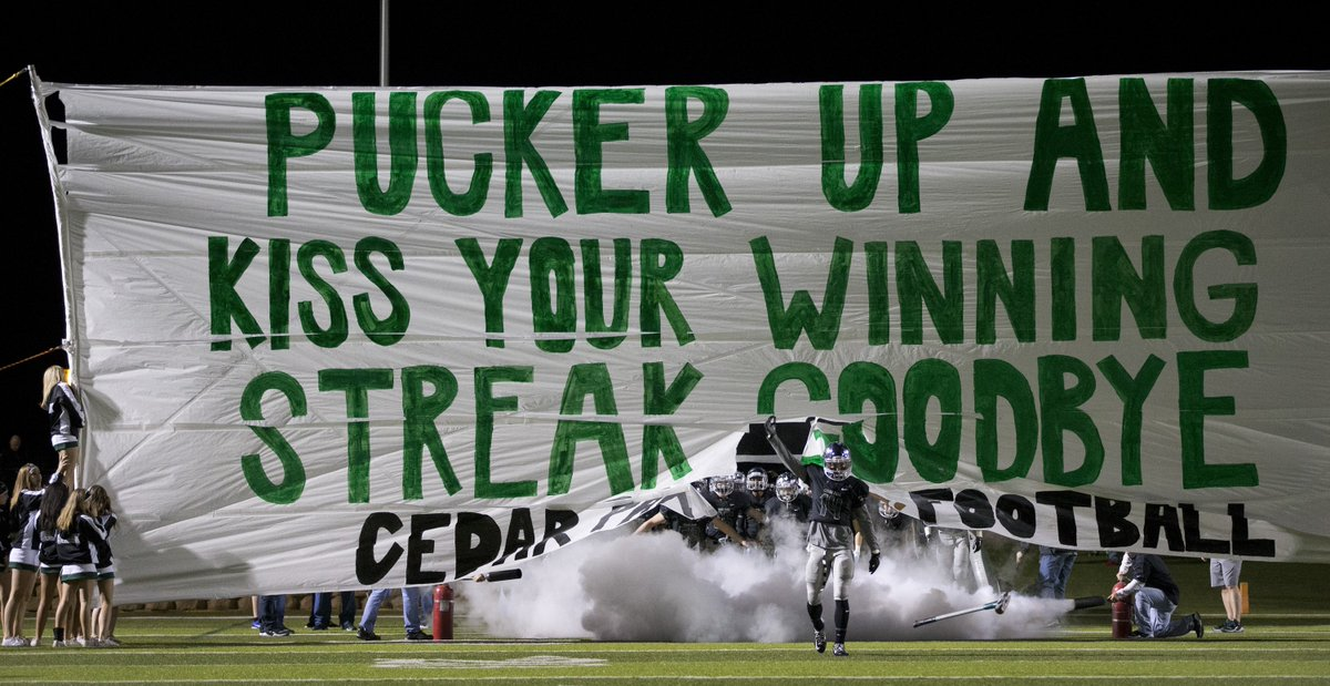 Final: No. 1 Cedar Park 49, No. 6 Kerrville Tivy 14. Timberwolves head to playoff's 3rd round for 6th straight year. https://t.co/90Ly02aFoO