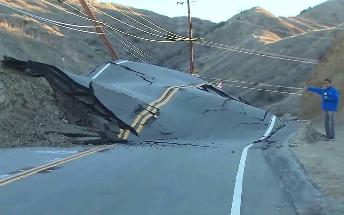La faglia di Sant'Andrea: il fenomeno ha distrutto una strada della California