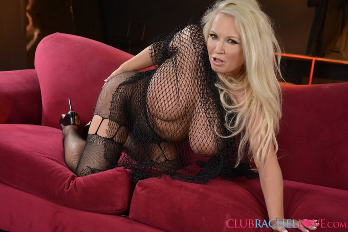RT @Spicywienerprod: See #hot #sexy #ass @RachelLOVE2 https://t.co/gIgcLuTI5F #spankit #ruboutone #cumonhertits