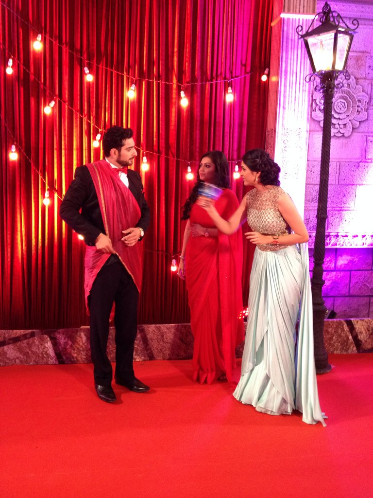 Ranaji-Gayatri Drashti Dhami and Siddhant Karnick at Zee Rishtey Awards 2015, ZRA 2015