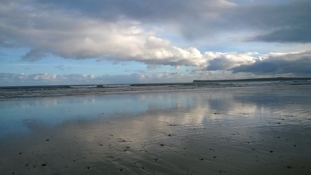 A bracing walk on Reiss beach this morning! #Caithness #scottishbeaches #venturenorth #NC500 #bonnyscotland https://t.co/nL1KRzpMrL