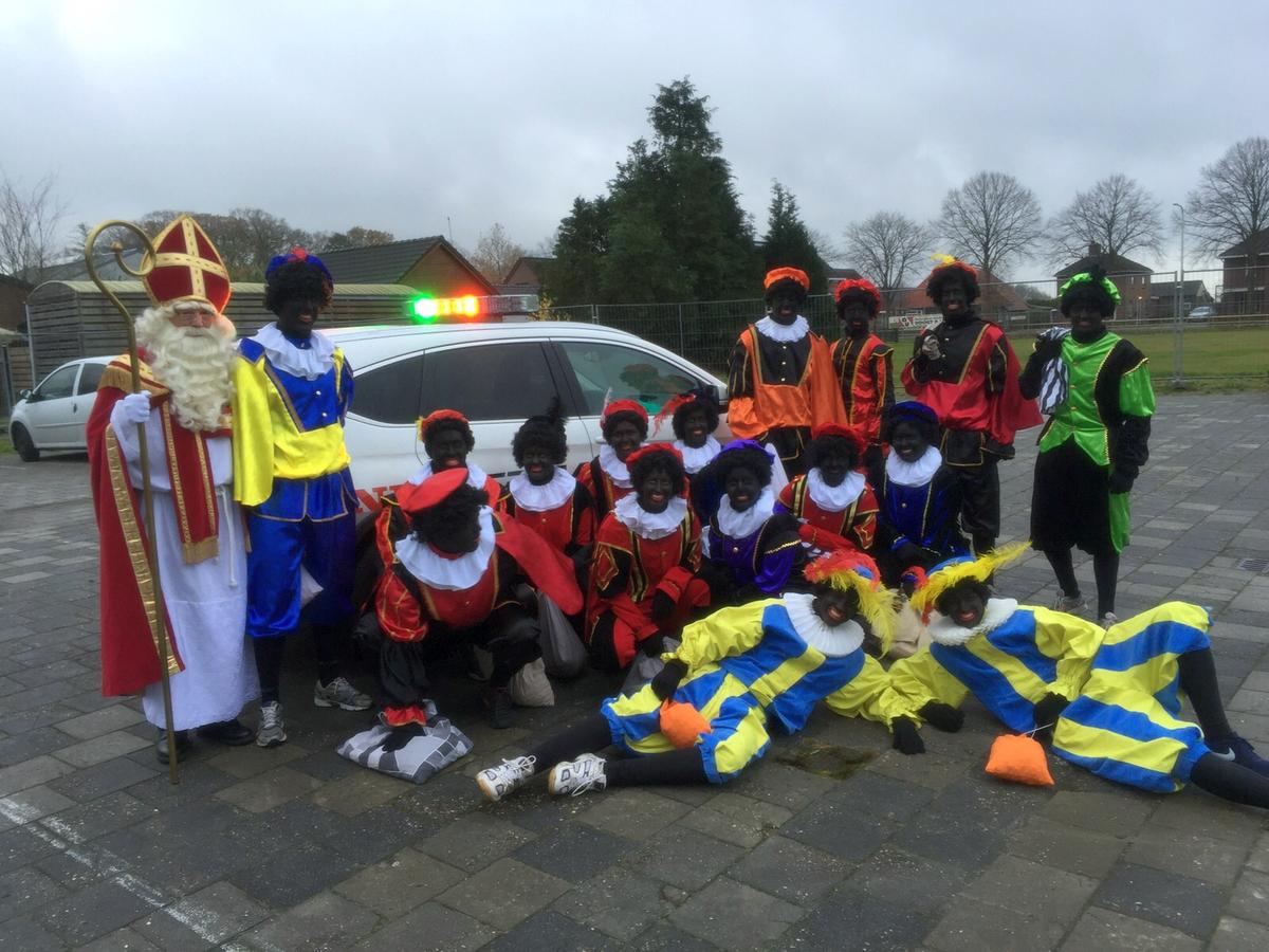 Sint en Piet met TT safety car