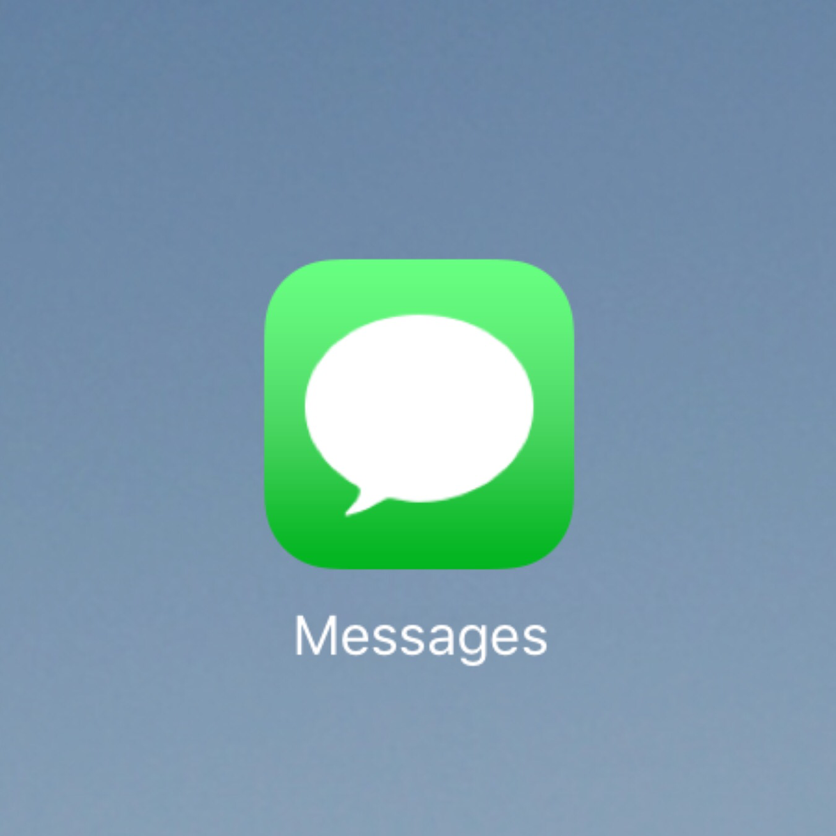Apple hasn't redrawn their app icons for the new iPad Pro; there are visible scaling artifacts https://t.co/nlGCyg5Ibp