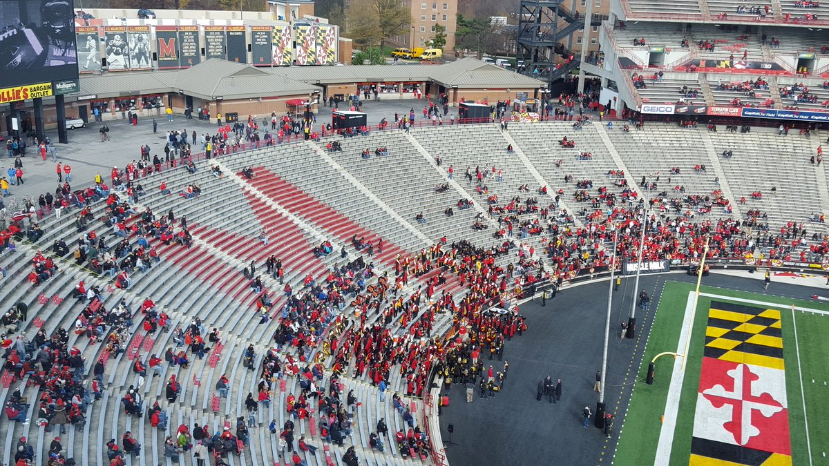 Gotta feel for Maryland's seniors. Been a long season and no one deserves to come out to this on senior day. https://t.co/s9vhdAs6Zg