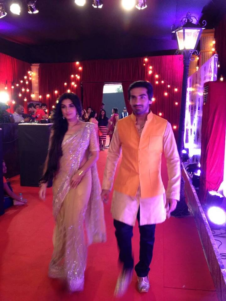 Mohit Sehgal and Shiny Doshi aka Somendra-Sarojini at Zee Rishtey Awards 2015 ZRA 2015