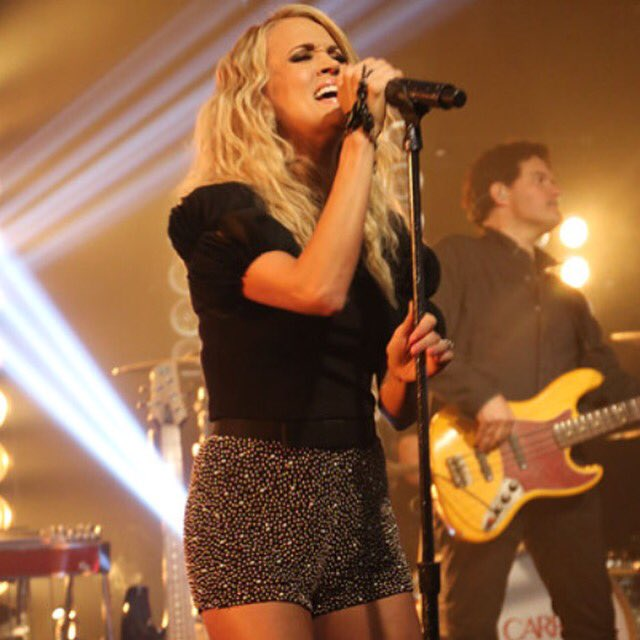 .@carrieunderwood will sing 'Heartbeat' on @TheAMAs ur favorite Carrie song?  (