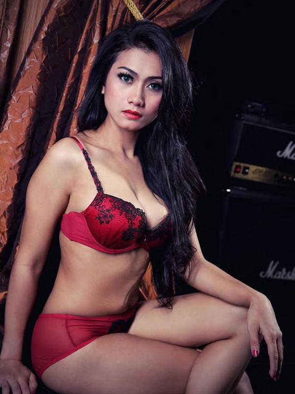 naked-supermodel-indonesia-nude-mom-rv