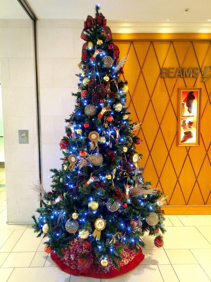【☆横浜モアーズ Xmas☆】館内にはノエルが流れ、横浜モアーズは、クリスマスムード一色に。*ツリーのオーナメントにも注目してみて♪ https://t.co/mMRTROTKRB