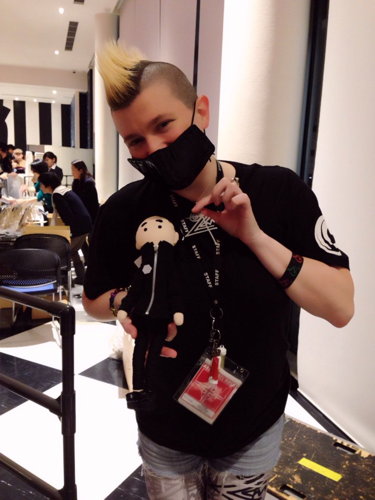 Adorable doll by @madoverload ! #WorldCell2015 https://t.co/skiivqGiUD