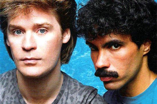É pra voltar no tempo e se divertir muito! Ouça Hall & Oates e mais no #PopRock80 >> http://bit.ly/1DVKUNOpic.twitter.com/AdzYrwoeX2