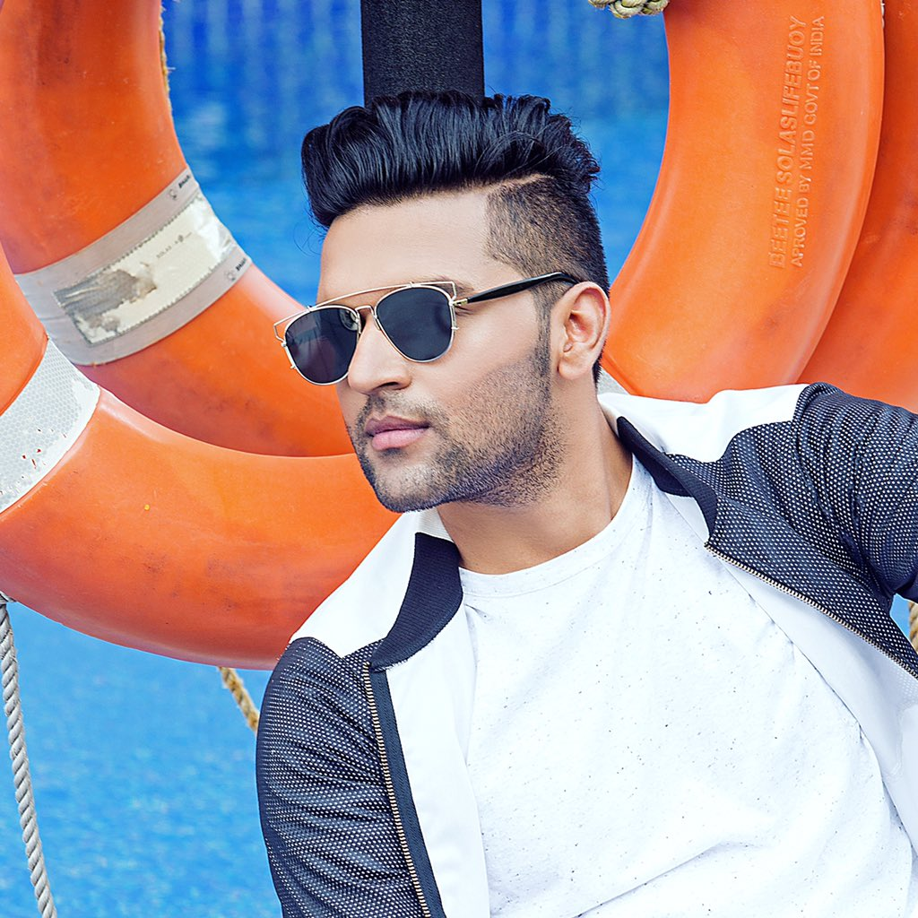 Guru Randhawa On Twitter U0026quot;#OUTFIT Out Tomorrow At 11am IST Make Sure You All Share And Support ...