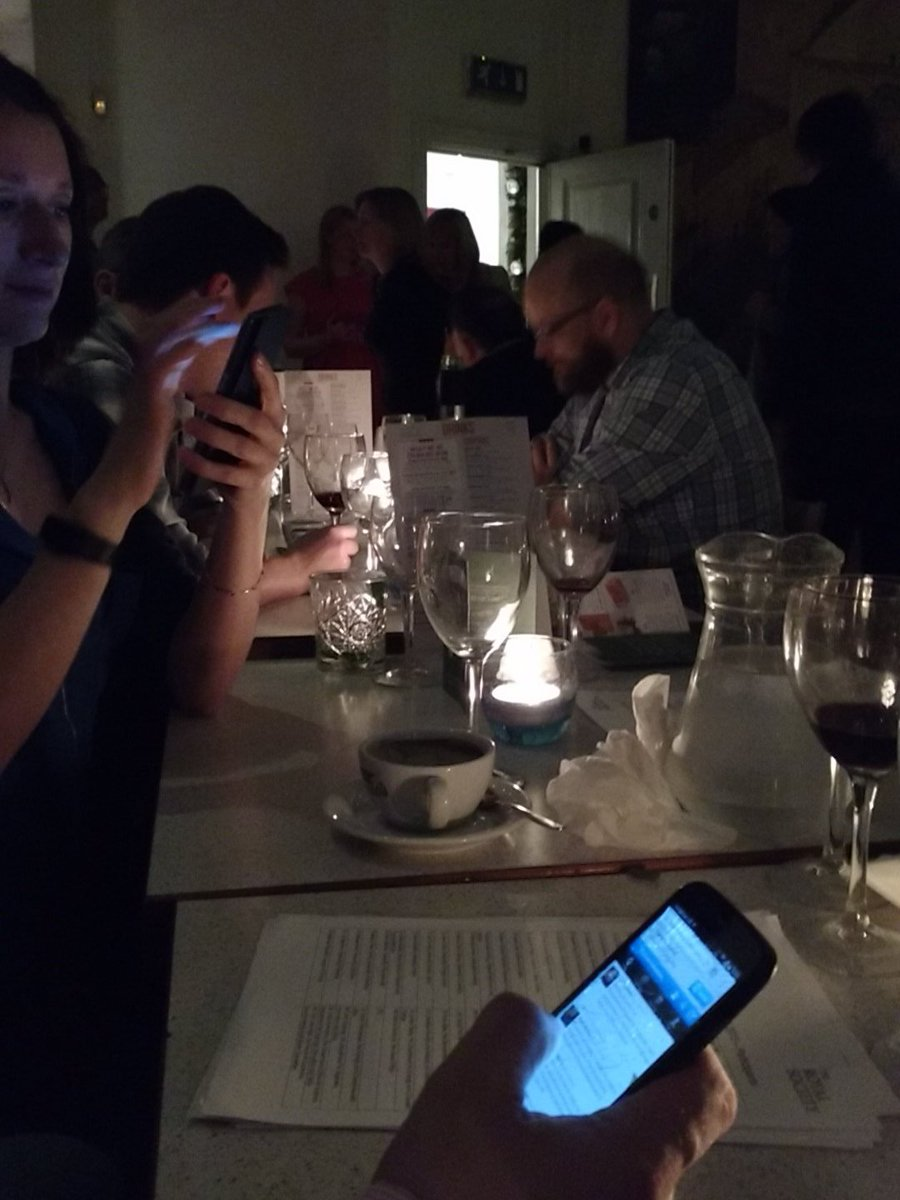 Dinner is over. Tweeting has begun. #Science meets #policy tomorrow via @royalsociety #scienceinwestminster15 https://t.co/qPpEowEqkY