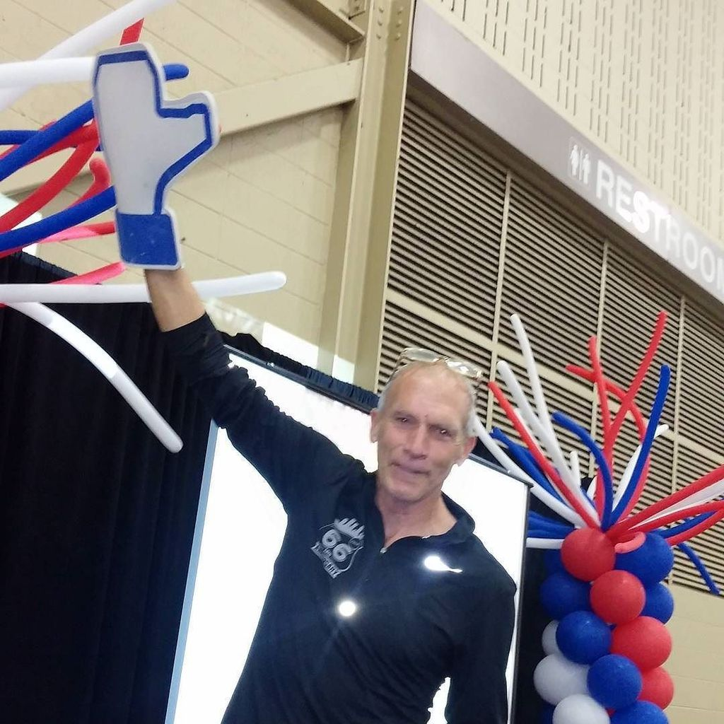 Proof that @bartyasso is an angel. #thelight we like him. #RT66RUN #smtulsa #likefoamfinger https://t.co/Uh5itwCBo2