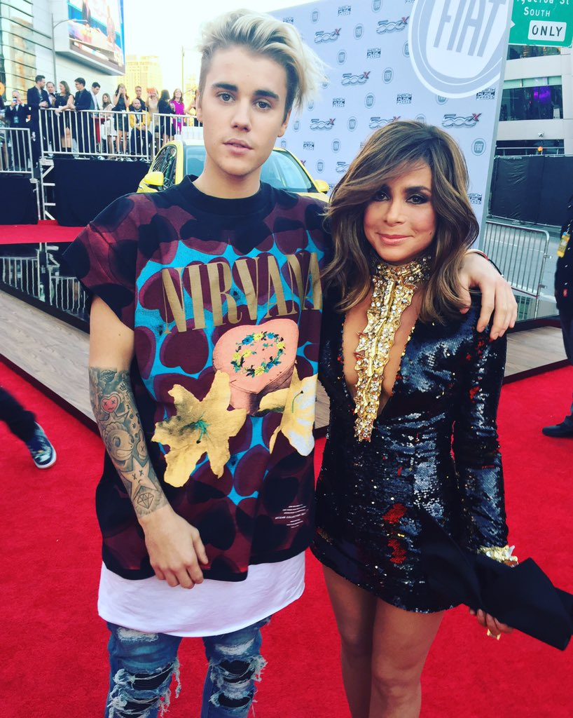.@justinbieber & me on the red carpet at @TheAMAs tonight.