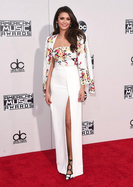 #BestDressed > @NinaDobrev wearing white embroidered @ZMURADofficial top, skirt and jacket #AMAs https://t.co/GIsHYe10cQ