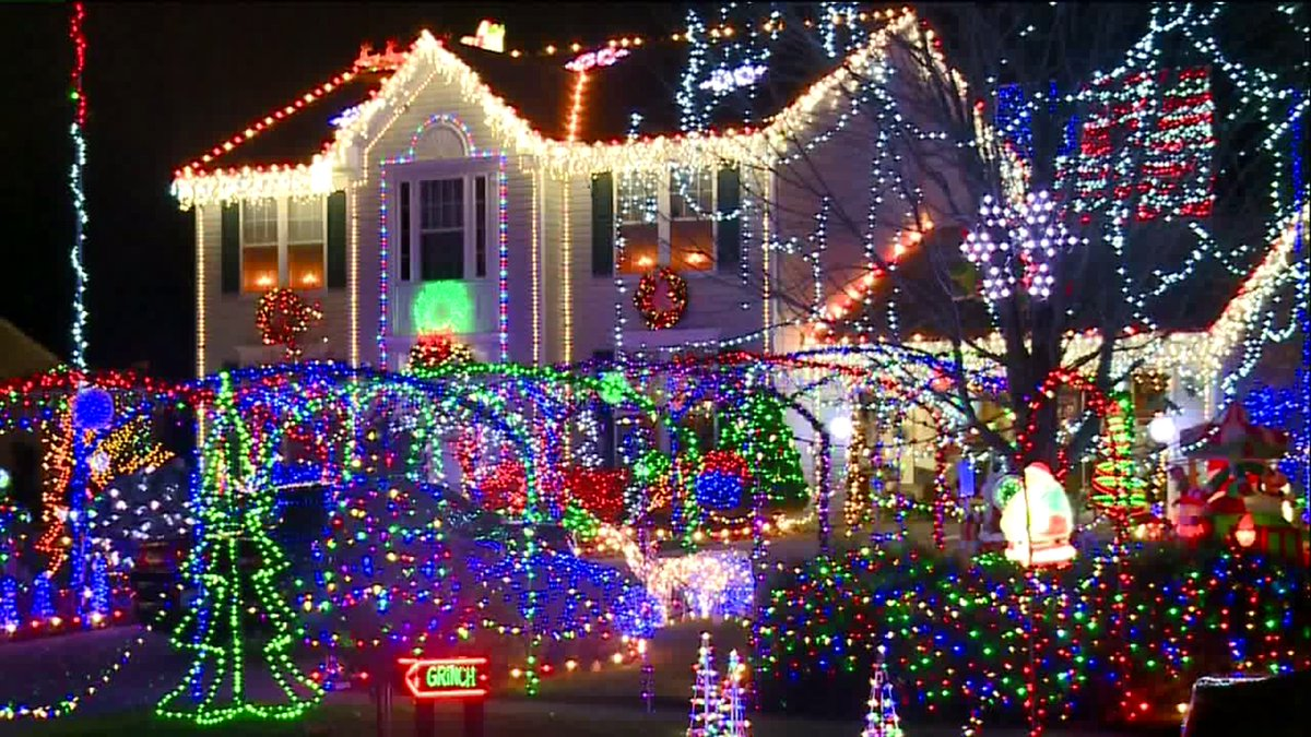 fox8news on twitter petition started to keep north ridgeville christmas light display httpstco5l3qplqcfy via abrownfox8 httpstcoykrenv1017
