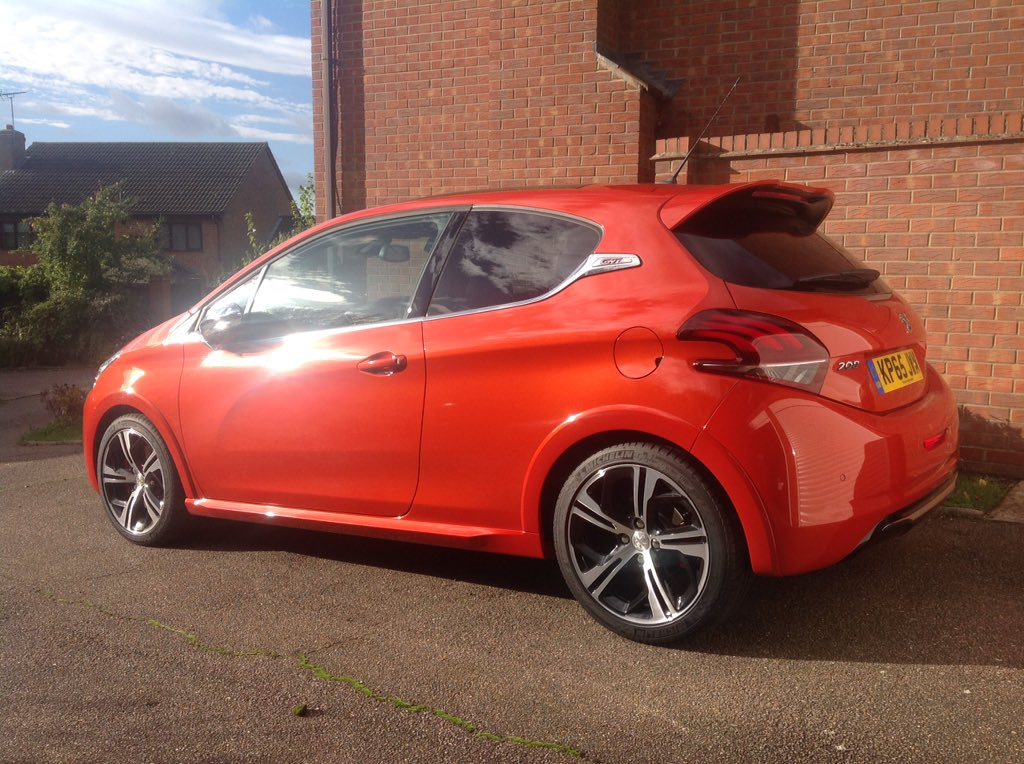 graham smales on twitter my peugeot 208 gti in orange power certainly brightens up the dark. Black Bedroom Furniture Sets. Home Design Ideas