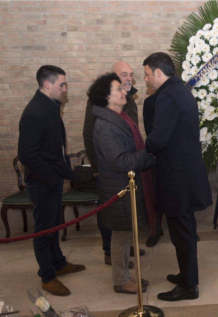 La famiglia di Valeria Solesin con Matteo Renzi