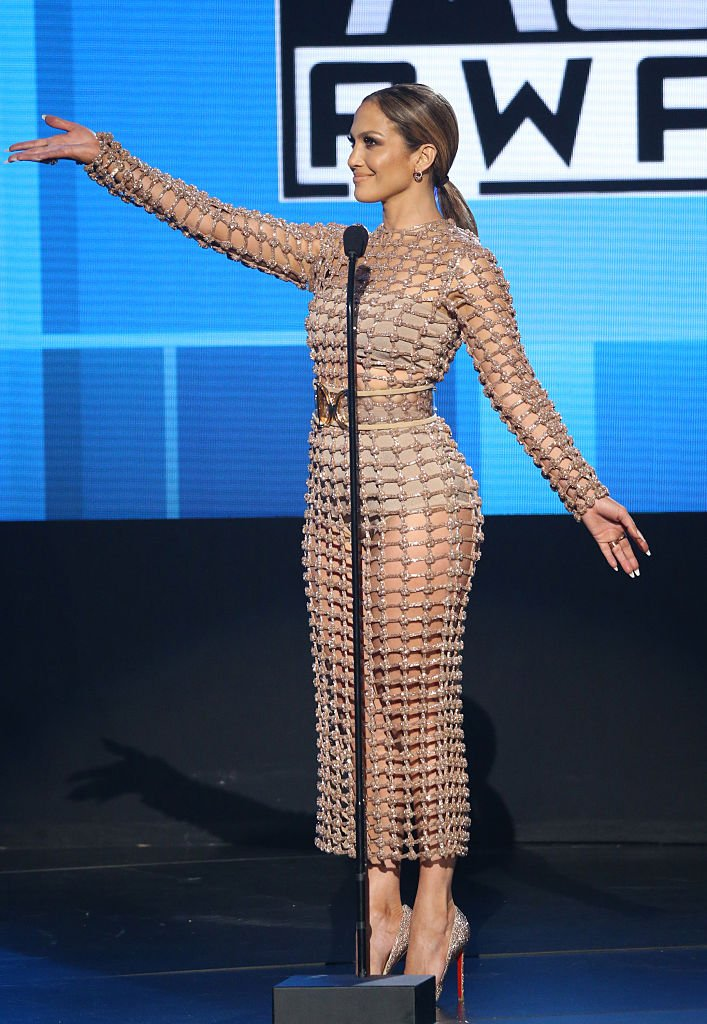 Jlo Wears A Custom Made Balmain Spring Summer 2016 Dress At The Amas In La Balmainarmy Https T Co Fgbpoubuil
