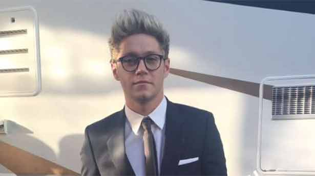 Can We Take a Moment to Appreciate Niall Horan at the AMA's https://t.co/I71oOIw7wu <3 https://t.co/ipQJtW4MOk