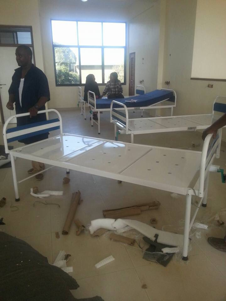 President @MagufuliJP slashes inauguration party budget frm 250M to 15M & ordered 300 beds for TZ national hospital https://t.co/zZ8WL5QWbz