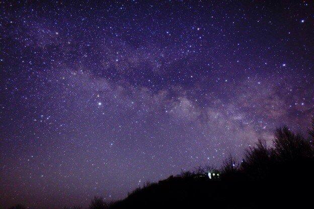 ヤバイ福岡県にある「星野村」っていう所の星が綺麗すぎる。これヤバすぎる。この星空見ながらカップラーメン食べたい!絶対美味しいと思う_| ̄|○見に行きたいリアルに。 pic.twitter.com/JrTjF3qyYA