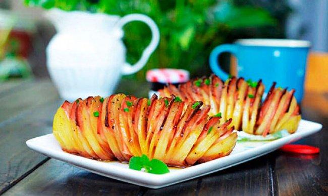 Рецепт картошки с курицей в духовке в фольге