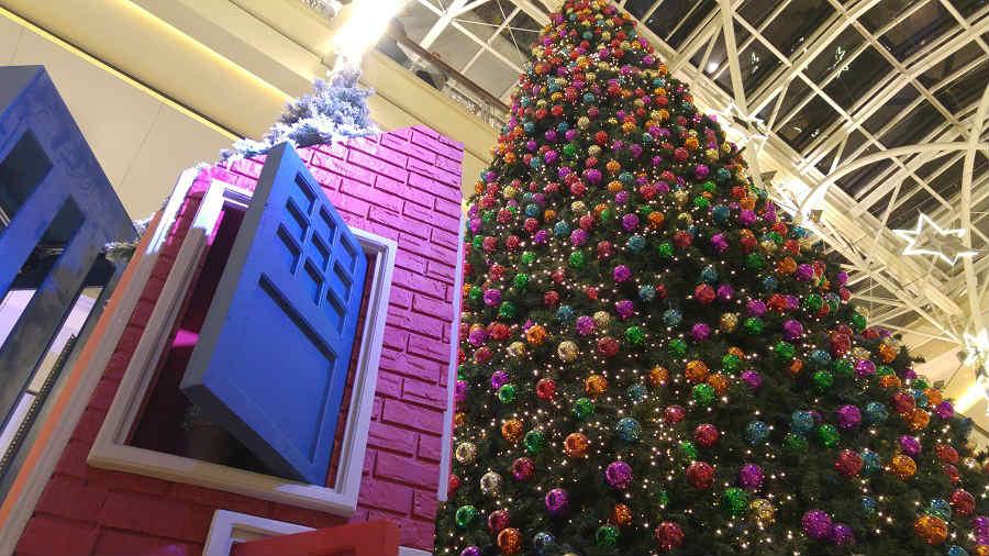 @ABC_Lebanon unveiling their #Christmas decoration. https://t.co/upyl2EOwF1  @NadineLabaki @pierrerabbat https://t.co/51Ckc0sFqP