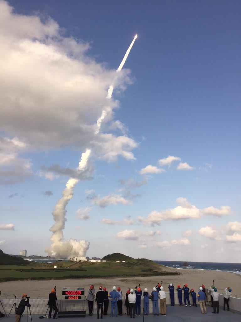 H2Aロケット29号機は、午後3時50分に打ち上げられました。 pic.twitter.com/8M57tEPelG