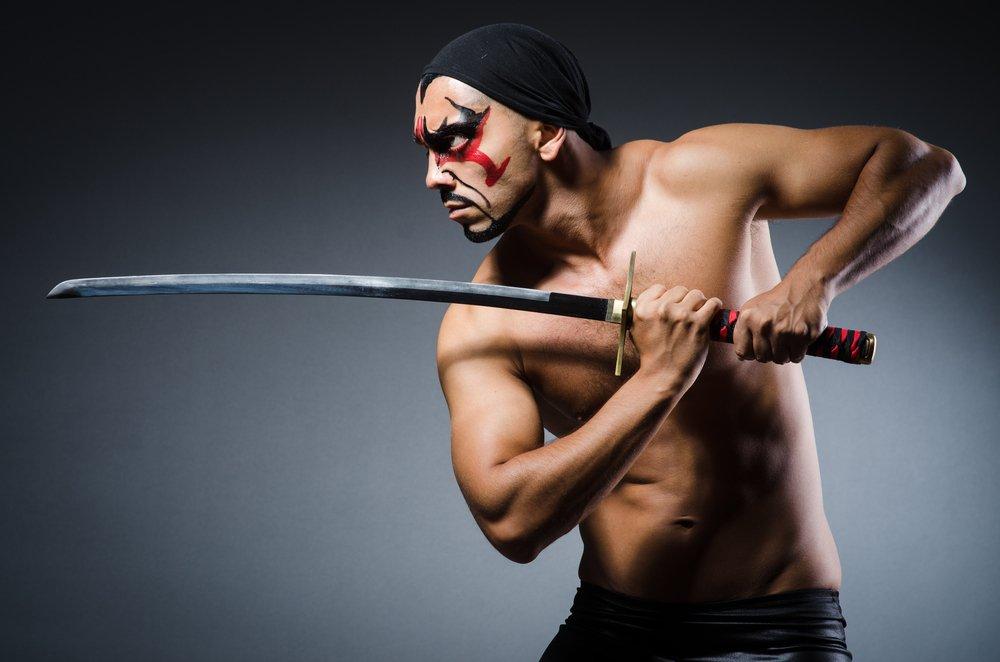 картинка полного грузного мужика с мечом качестве источника газа
