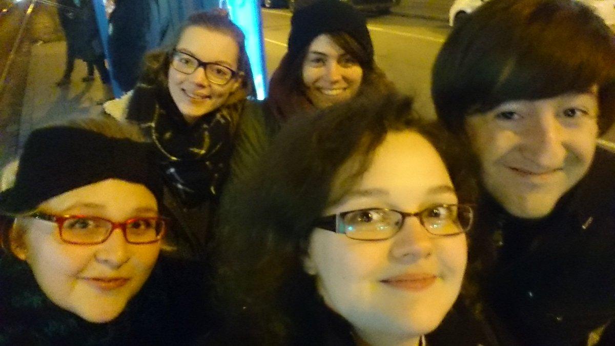 Team @lovelybooks macht sich auf den Weg zum #bookupDE bei @hanserliteratur. Wir freuen uns! #Whoop #Whoop https://t.co/p9iGfOd6sb