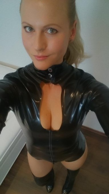 #latex #porno #blondehexe https://t.co/qd3CfzECz4