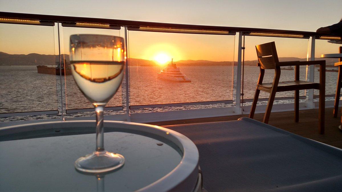 A4. Wine & sunsets #CruiseChat https://t.co/8yUrQJBN62
