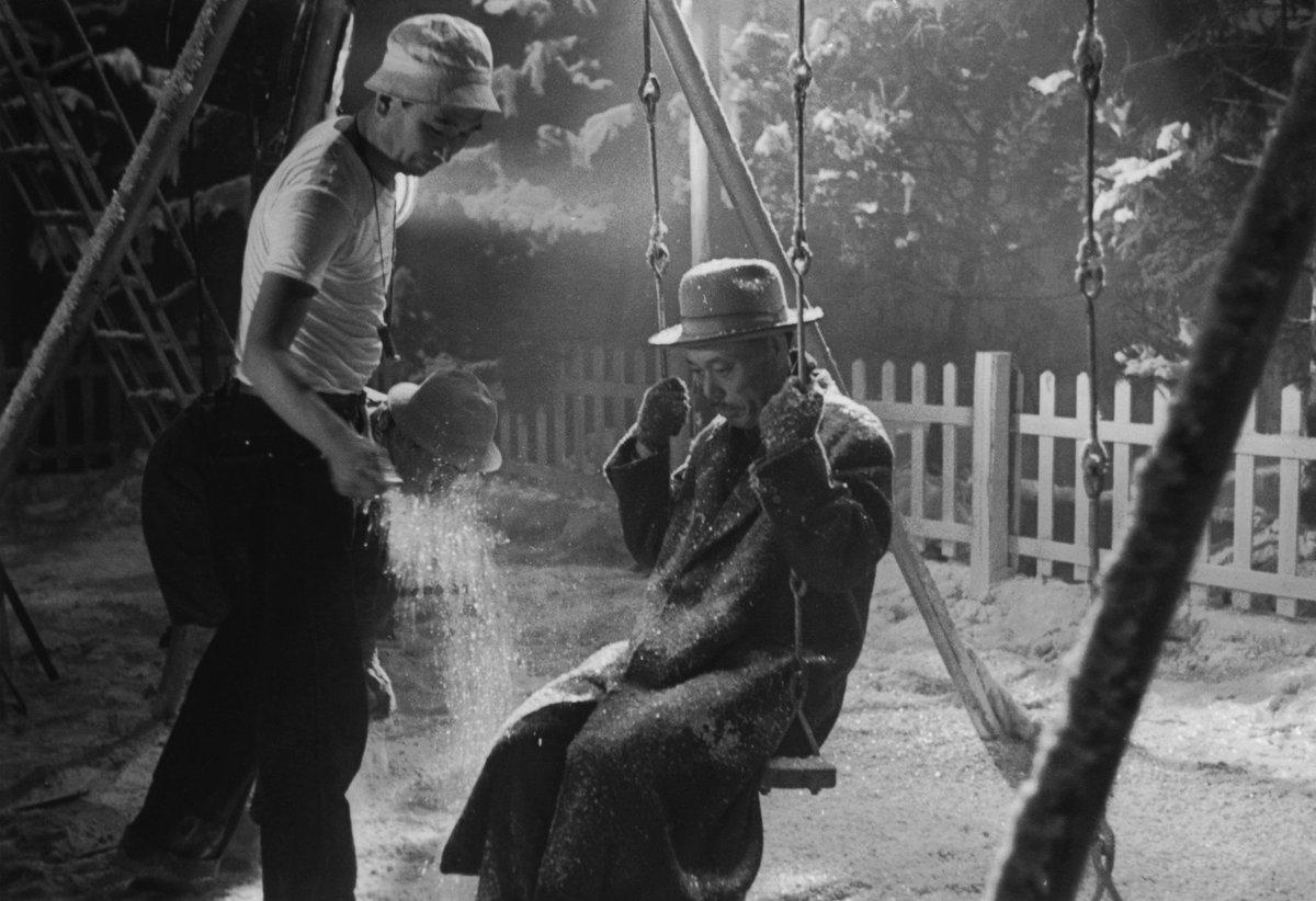Rodaje de 'Vivir (Ikiru) (1952)' - Escena del columpio