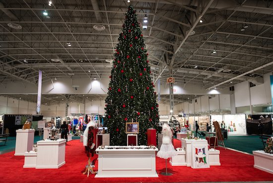 The @ooak_toronto starts Thursday. @Linda_Luong has tips on how to shop the show like a pro https://t.co/yk9IBf4Ylh https://t.co/0zMsalIu28