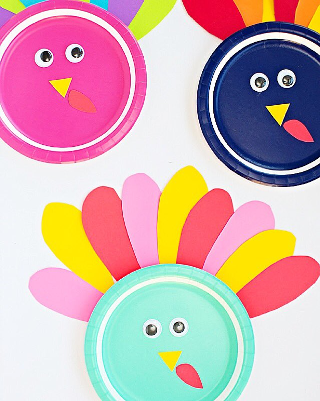cute thanksgivingcraftsforkids !  http://www. hellowonderful.co/post/COLORFUL- TURKEY-PAPER-PLATE-CRAFT  … <br>http://pic.twitter.com/o5ZrGC0GRv