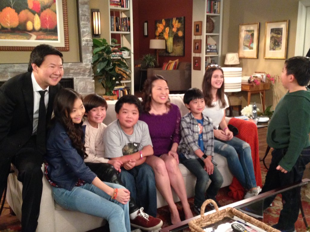 It's the Asian American Family Powerhouse! @DrKenABC @FreshOffABC @kenjeong @HudsonDYang #DrKen #FreshOffTheBoat https://t.co/648wZVmsG6