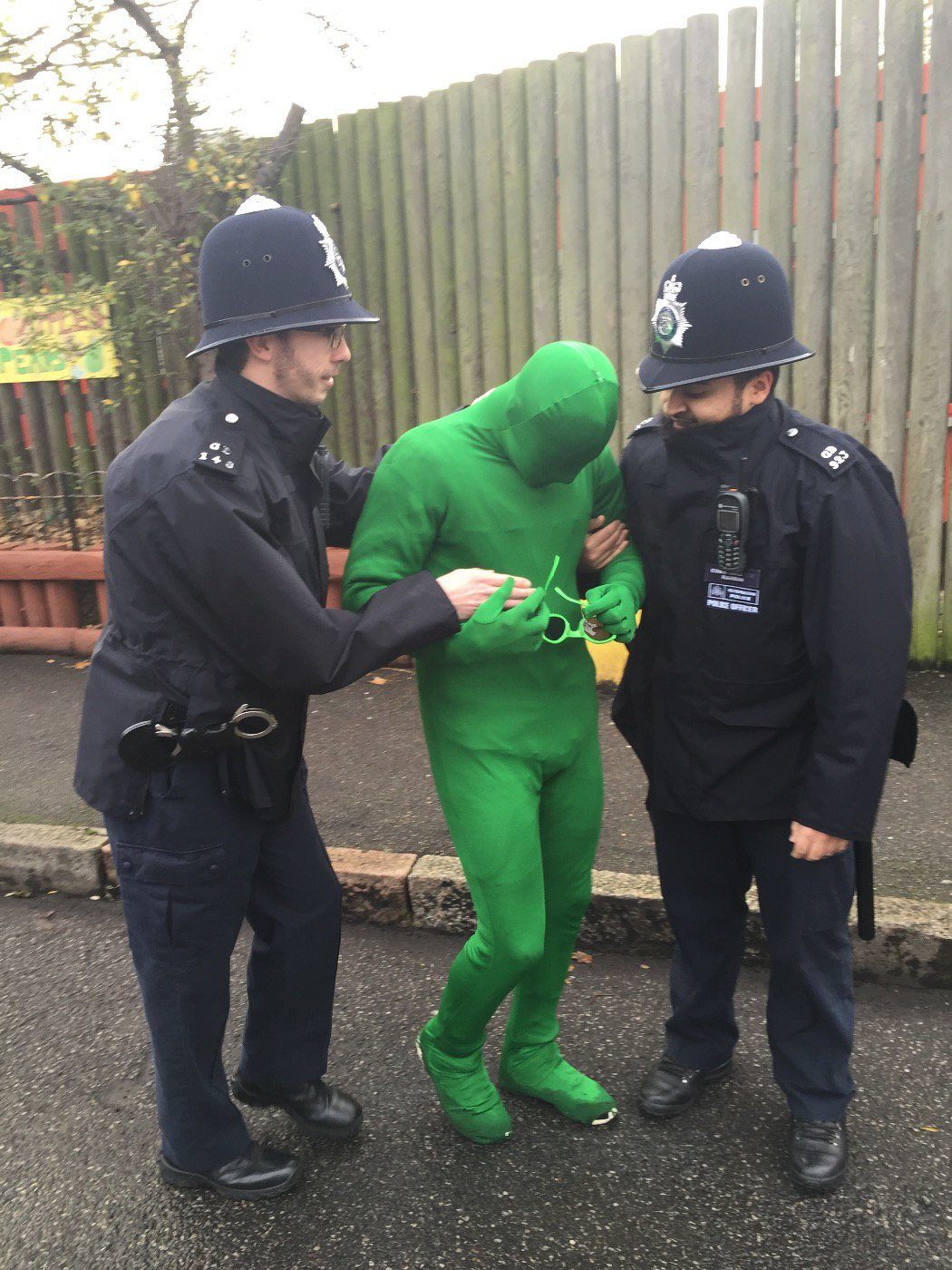 RT @MPSHackney: Shoreditch officers bring stories to life for local kids @Randalcremer primary school https://t.co/QWXanZ88IB