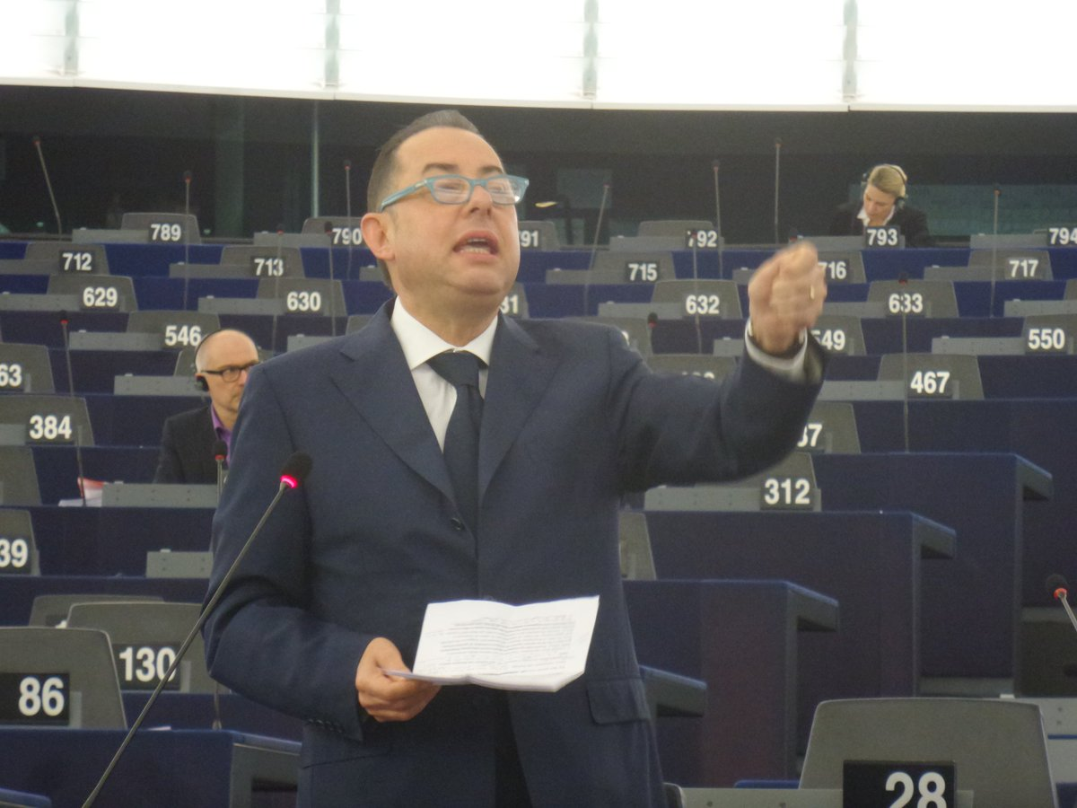 S&D chair @giannipittella  speaks in debate #EPonTerror in #EPlenary. For more: https://t.co/ggoqKC4ihR https://t.co/cH9v30KDIH