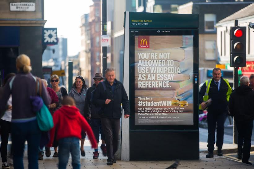 Brands should spend 45% of outdoor budget on digital, recommends OOH study https://t.co/xHcev6sLfb https://t.co/5wQ8I8qDvr