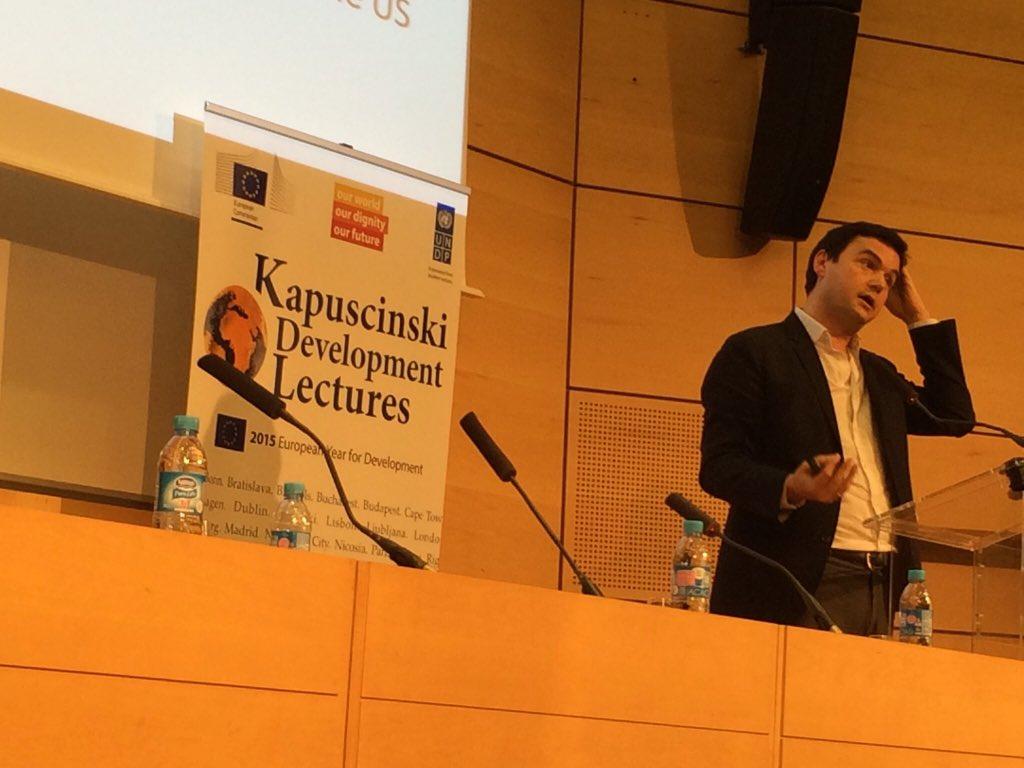 """Avec @UNDP, organisation de #KAPTalks à @sciencespo avec Thomas #Piketty: """"carbone et inégalité: de Kyoto à Paris"""" https://t.co/HtpEO5Phti"""