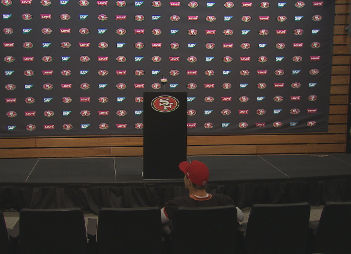 #49ers Gabbert took a seat in the front row and got ready to ask some ?'s! He was a great sport about it. https://t.co/31o0NFrRuC
